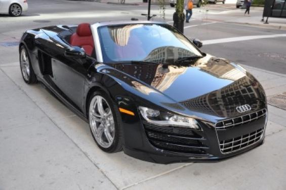 need help looking for picture 39 s black r8 spyder with red interior. Black Bedroom Furniture Sets. Home Design Ideas